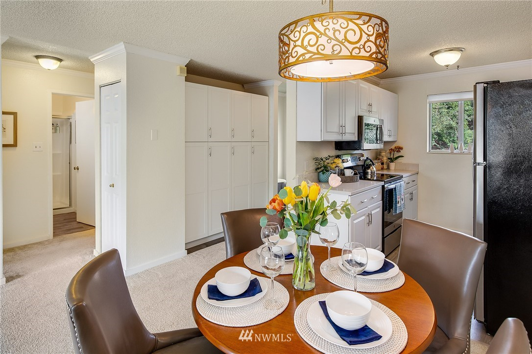 Sold Property | 630 5th Avenue S #105 Edmonds, WA 98020 4