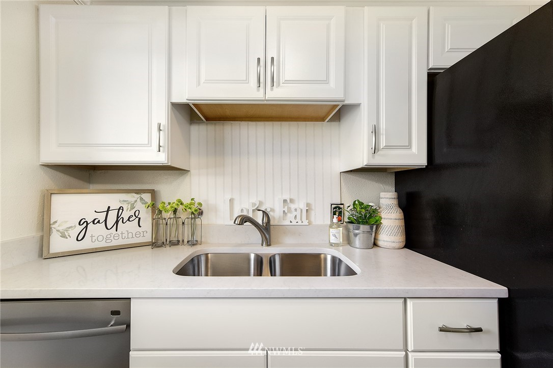 Sold Property | 630 5th Avenue S #105 Edmonds, WA 98020 7