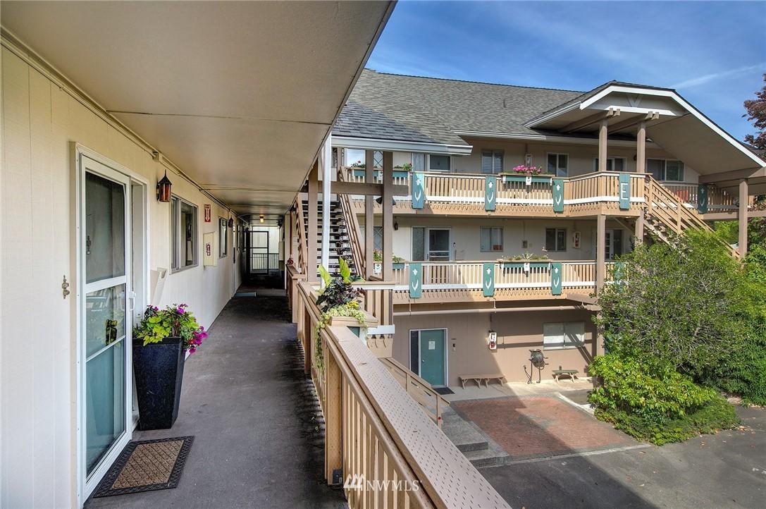 Sold Property | 630 5th Avenue S #105 Edmonds, WA 98020 21