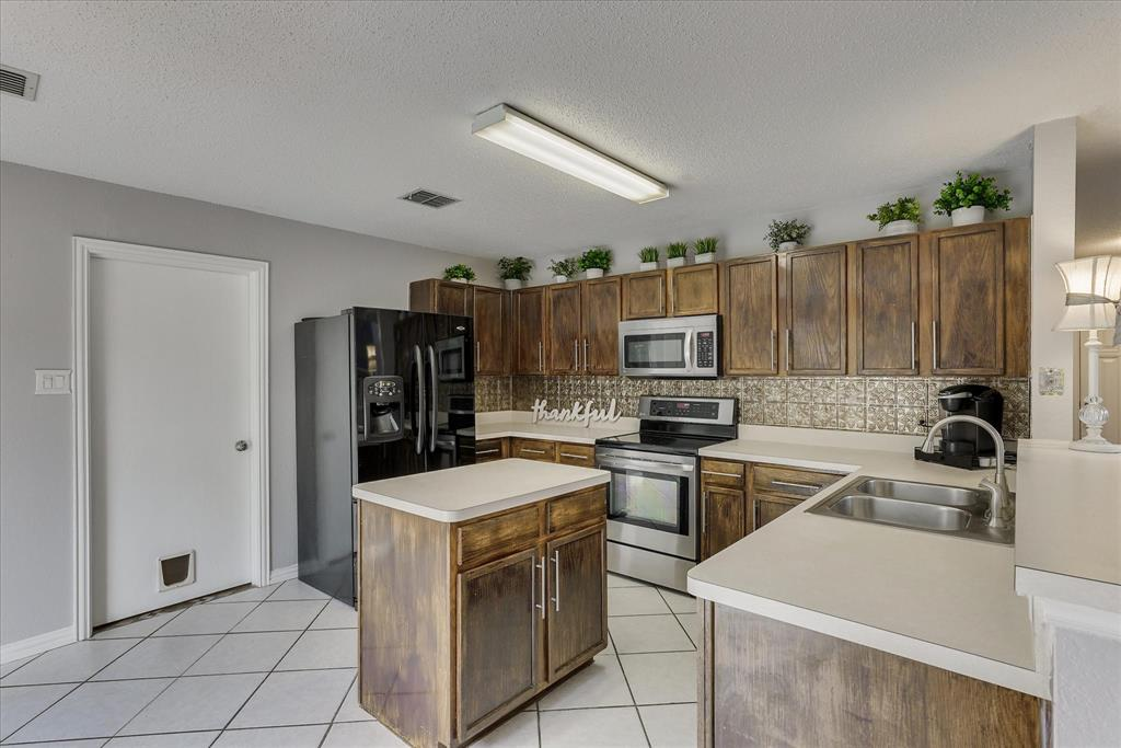 Sold Property   2453 Graystone Drive Little Elm, Texas 75068 16