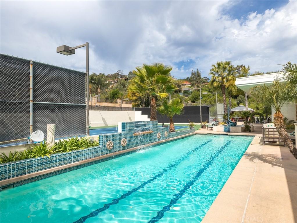 Active | 30421 Miraleste Drive Rancho Palos Verdes, CA 90275 2