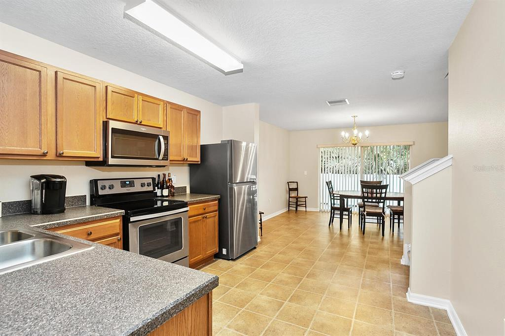 Pending | 6908 MARBLE FAWN PLACE RIVERVIEW, FL 33578 6