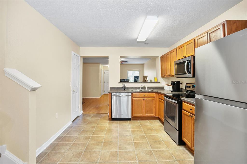 Pending | 6908 MARBLE FAWN PLACE RIVERVIEW, FL 33578 8