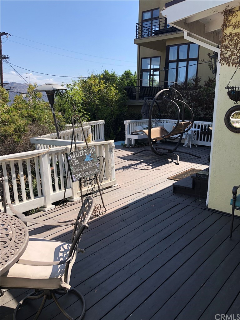 ActiveUnderContract | 7342 Pacific View Dr Los Angeles, CA 90068 9