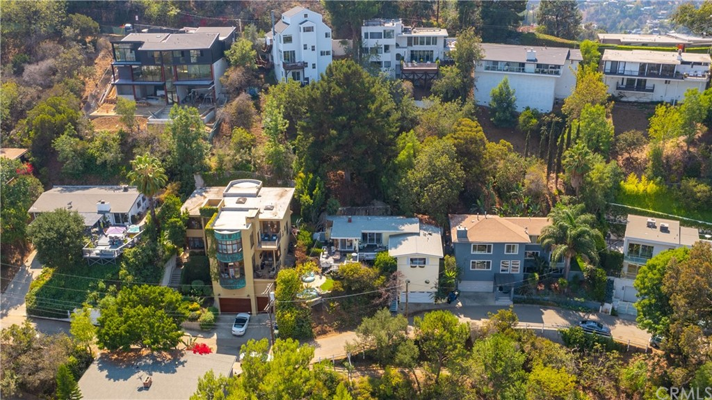 ActiveUnderContract | 7342 Pacific View Dr Los Angeles, CA 90068 5