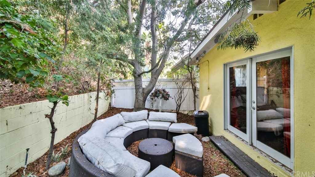 ActiveUnderContract | 7342 Pacific View Dr Los Angeles, CA 90068 33