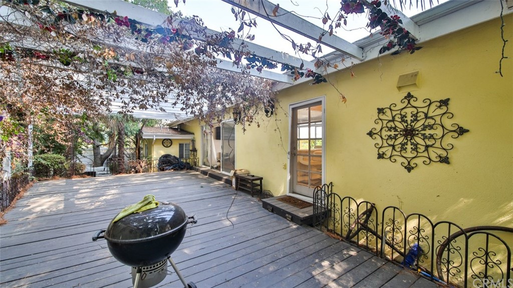 ActiveUnderContract | 7342 Pacific View Dr Los Angeles, CA 90068 57