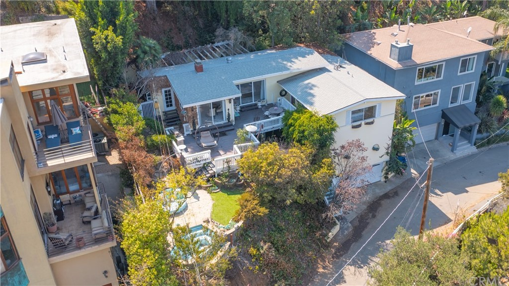 ActiveUnderContract | 7342 Pacific View Dr Los Angeles, CA 90068 13