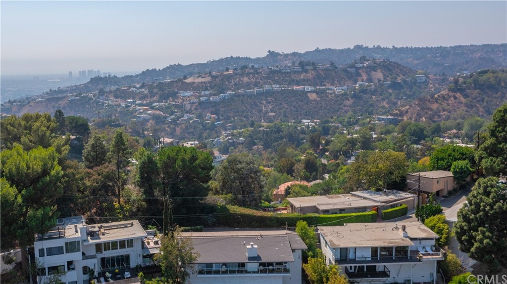 ActiveUnderContract | 7342 Pacific View Dr Los Angeles, CA 90068 14