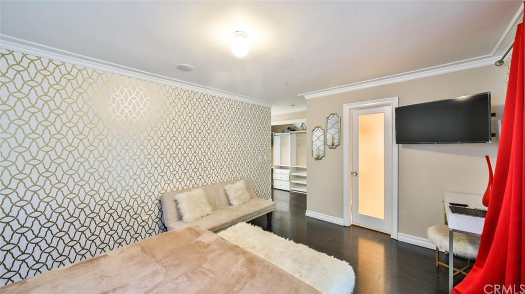 ActiveUnderContract | 7342 Pacific View Dr Los Angeles, CA 90068 24