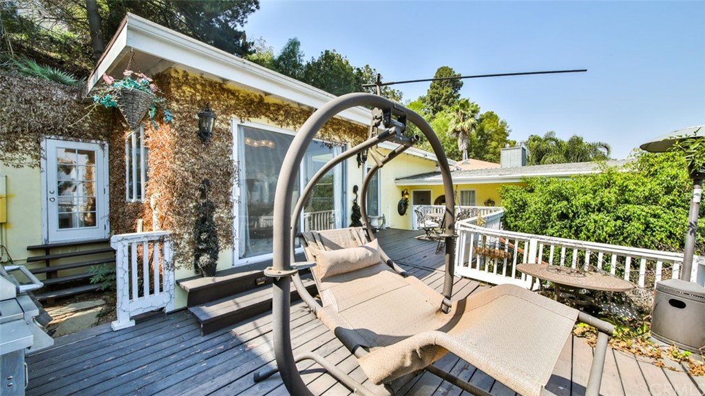 ActiveUnderContract | 7342 Pacific View Dr Los Angeles, CA 90068 64