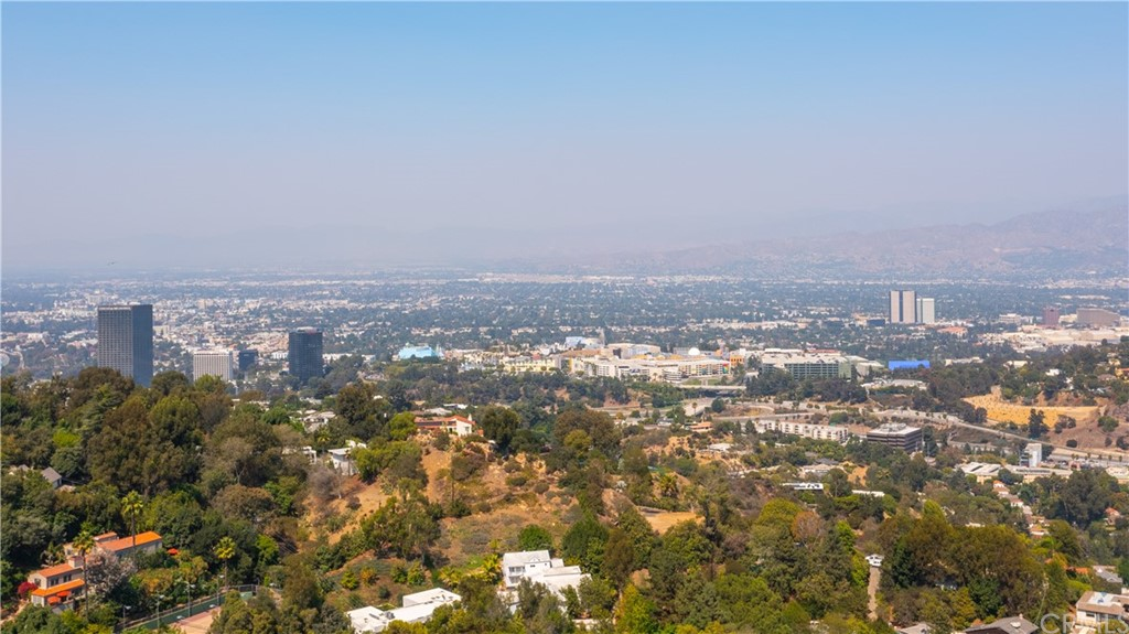 ActiveUnderContract | 7342 Pacific View Dr Los Angeles, CA 90068 44