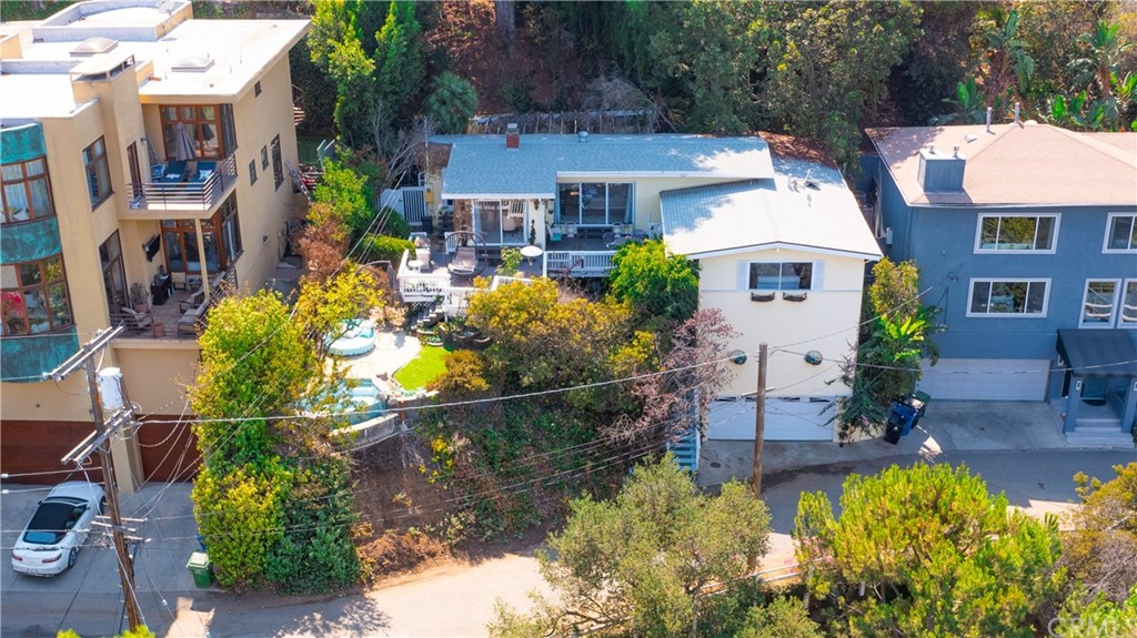 ActiveUnderContract | 7342 Pacific View Dr Los Angeles, CA 90068 7