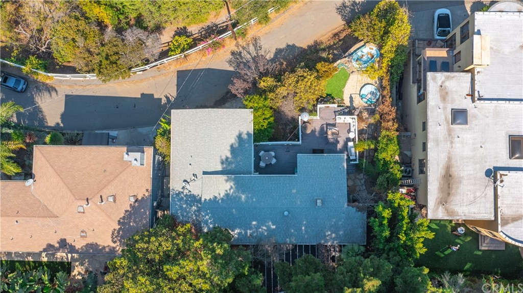 ActiveUnderContract | 7342 Pacific View Dr Los Angeles, CA 90068 43