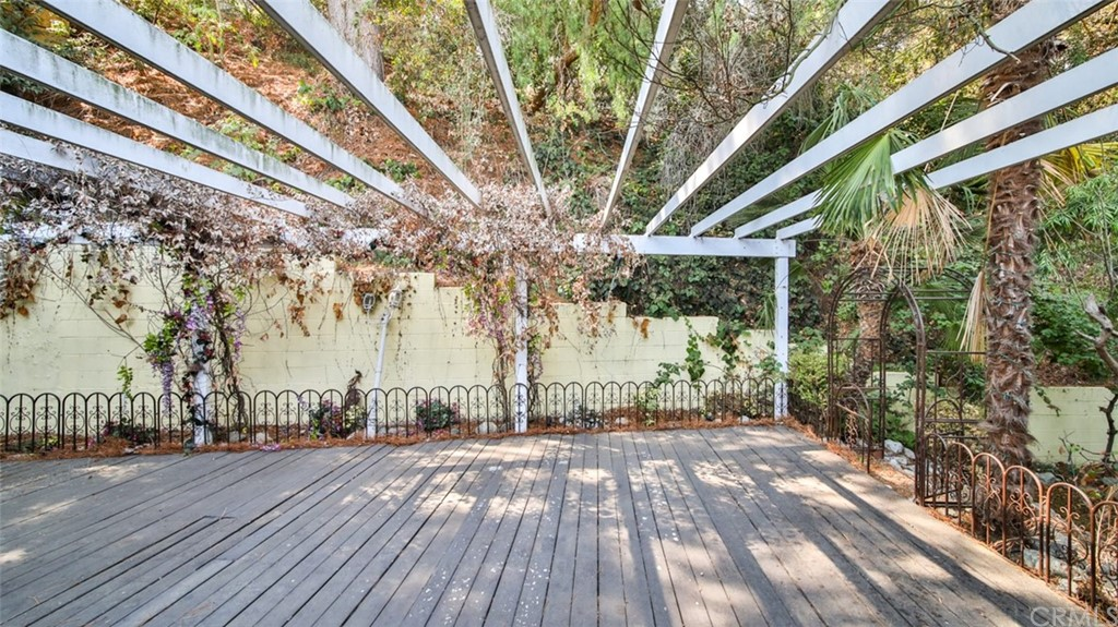 ActiveUnderContract | 7342 Pacific View Dr Los Angeles, CA 90068 58