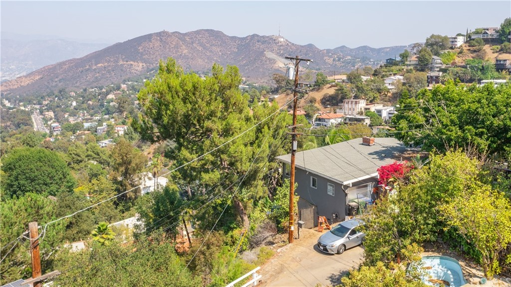 ActiveUnderContract | 7342 Pacific View Dr Los Angeles, CA 90068 11