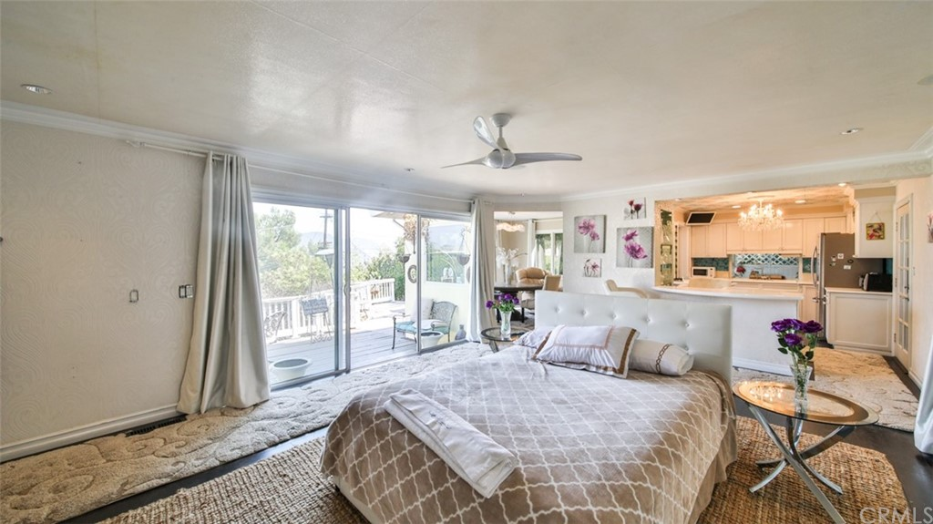 ActiveUnderContract | 7342 Pacific View Dr Los Angeles, CA 90068 29