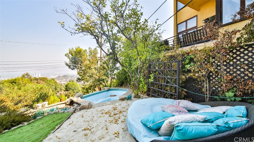 ActiveUnderContract | 7342 Pacific View Dr Los Angeles, CA 90068 65