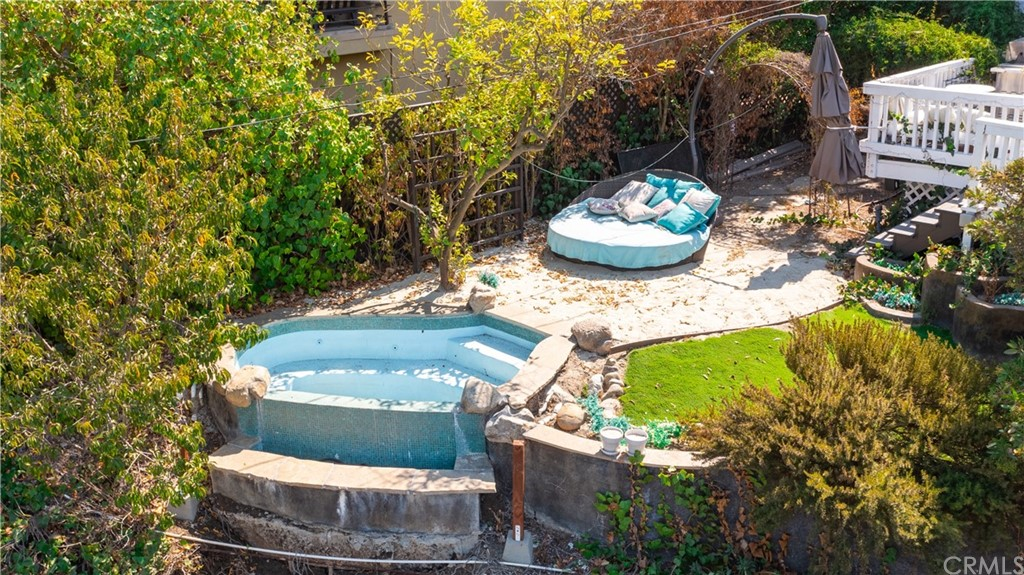 ActiveUnderContract | 7342 Pacific View Dr Los Angeles, CA 90068 10