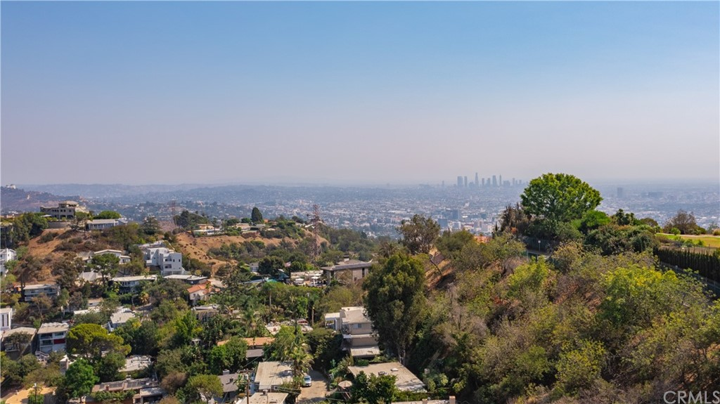 ActiveUnderContract | 7342 Pacific View Dr Los Angeles, CA 90068 1