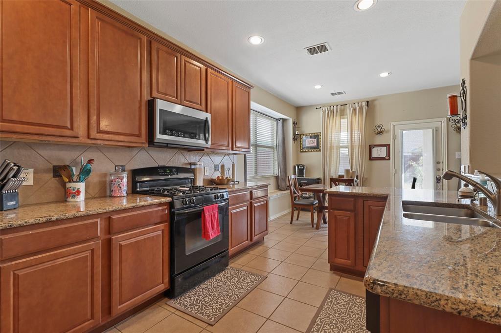 Pending | 2860 Cascade Cove Drive Little Elm, Texas 75068 10