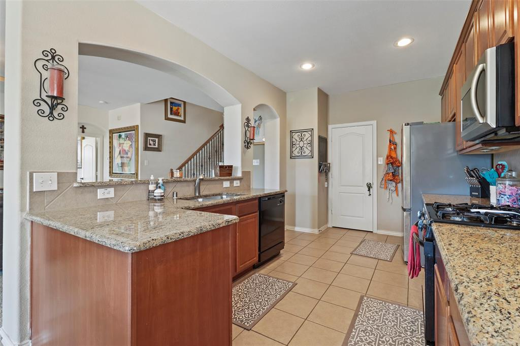 Pending | 2860 Cascade Cove Drive Little Elm, Texas 75068 2