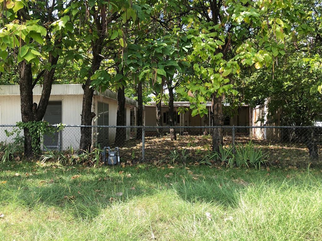 Active   205 E Park Street Little Elm, Texas 75068 1