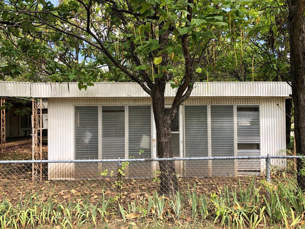 Active   205 E Park Street Little Elm, Texas 75068 4