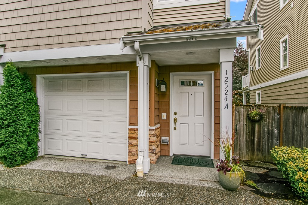 Sold Property | 12524 26th Avenue NE #A Seattle, WA 98125 2