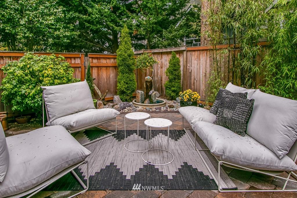 Sold Property | 12524 26th Avenue NE #A Seattle, WA 98125 4