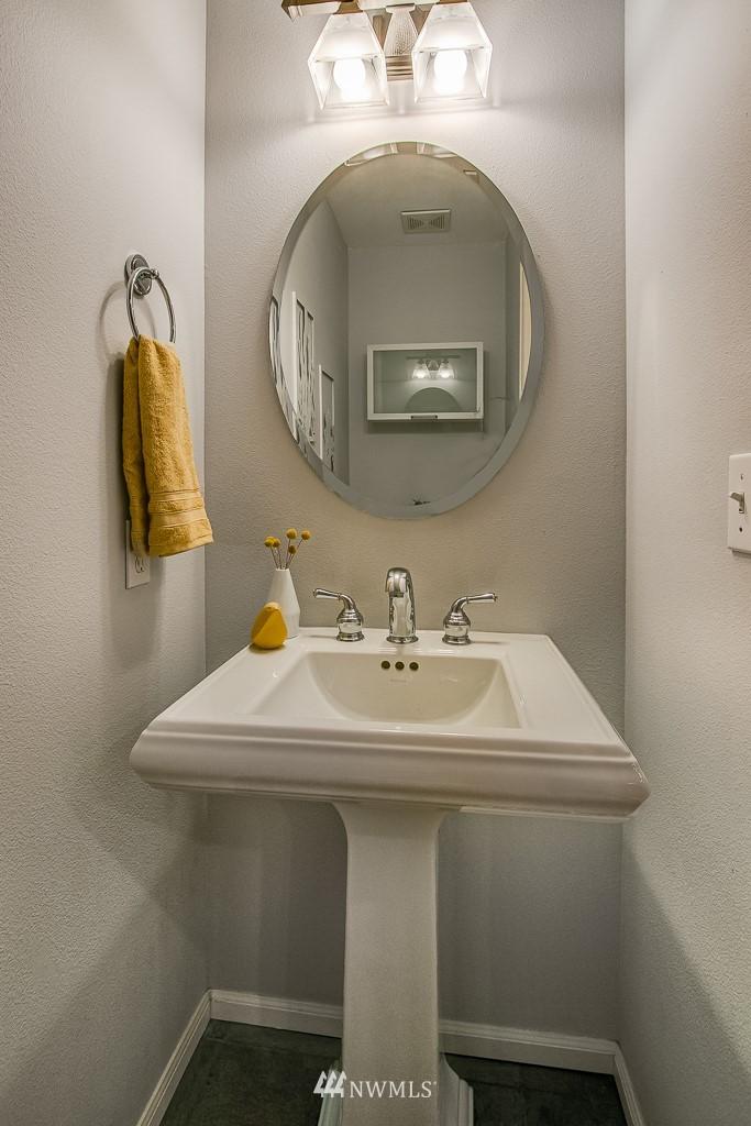 Sold Property | 12524 26th Avenue NE #A Seattle, WA 98125 14