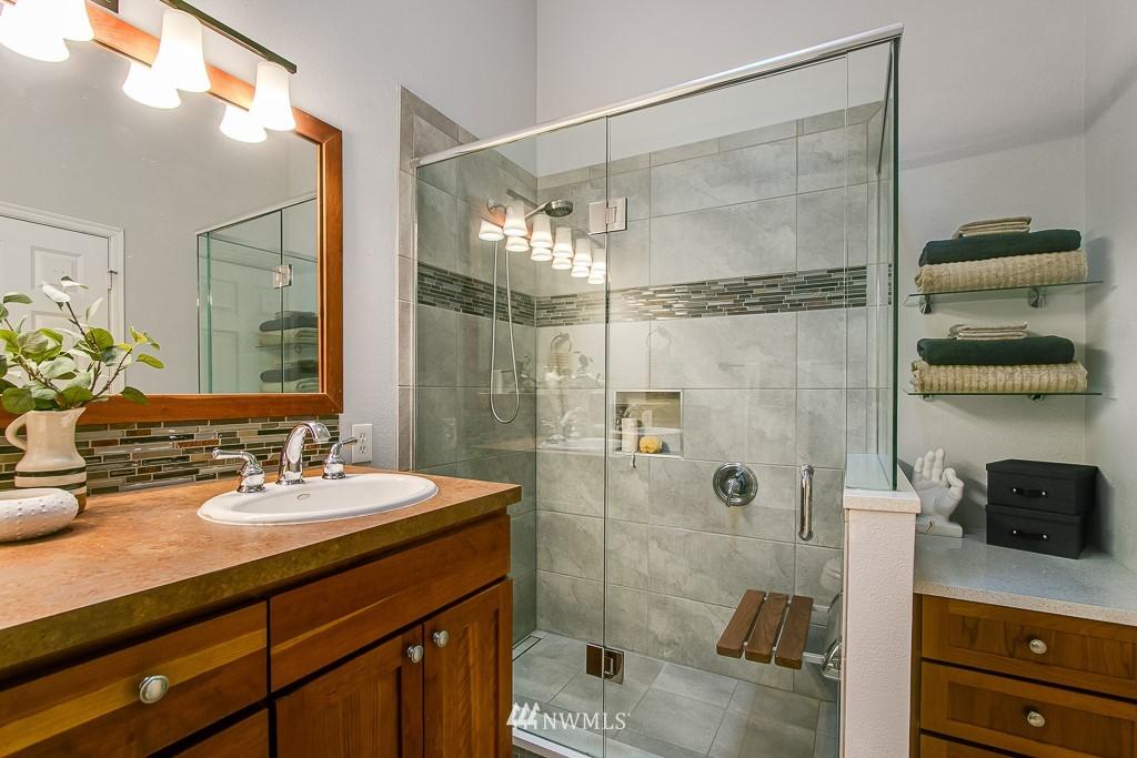 Sold Property | 12524 26th Avenue NE #A Seattle, WA 98125 17