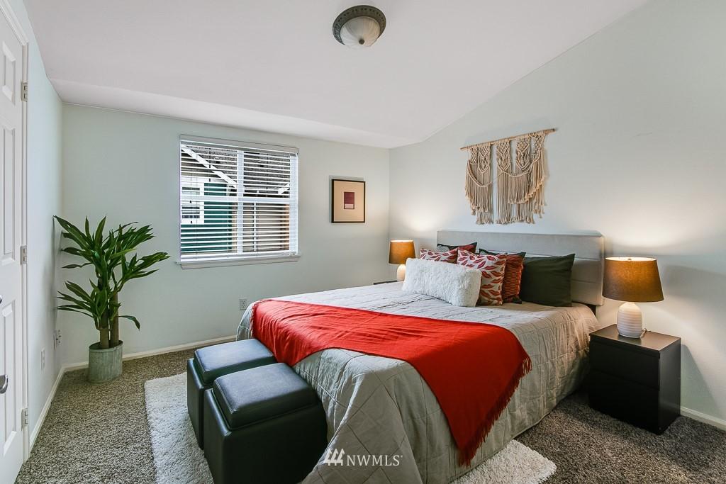Sold Property | 12524 26th Avenue NE #A Seattle, WA 98125 19