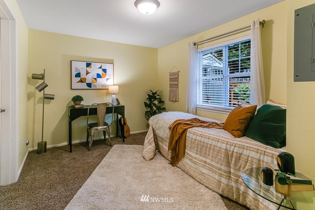 Sold Property | 12524 26th Avenue NE #A Seattle, WA 98125 21