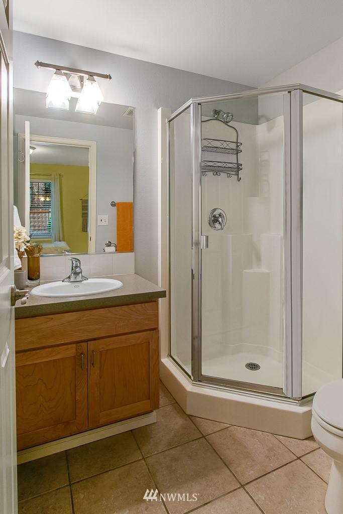 Sold Property | 12524 26th Avenue NE #A Seattle, WA 98125 23