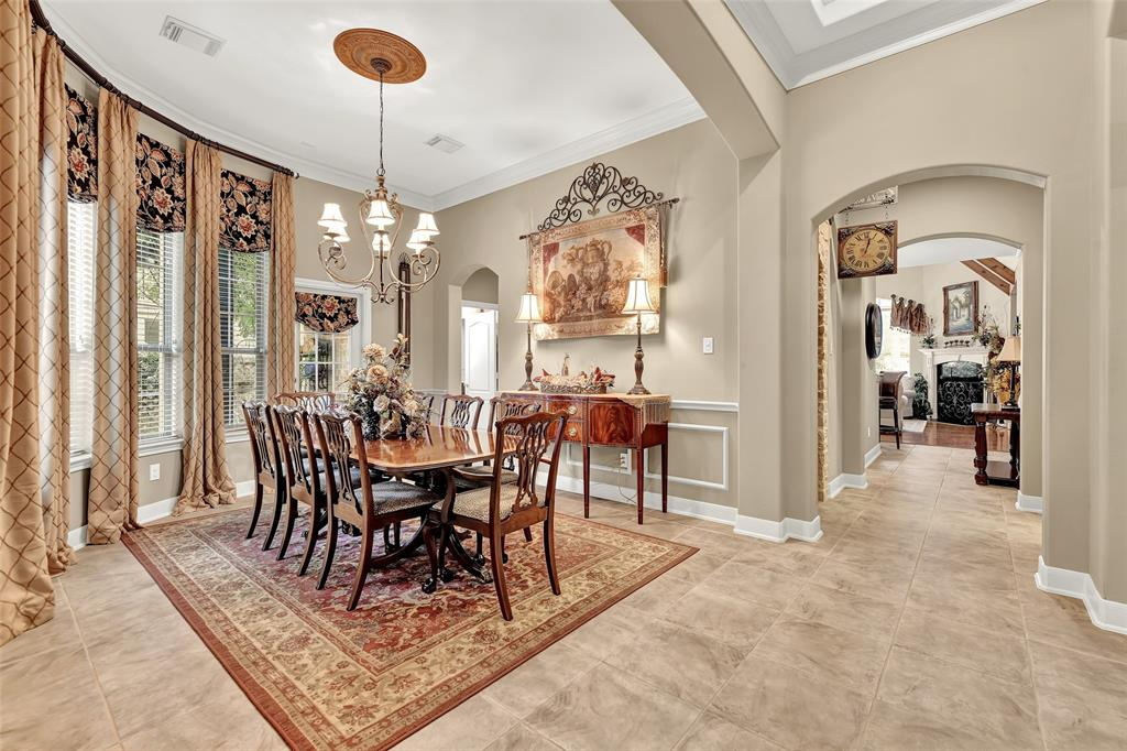 Pending   59 Columbia Crest Place Conroe, Texas 77382 10