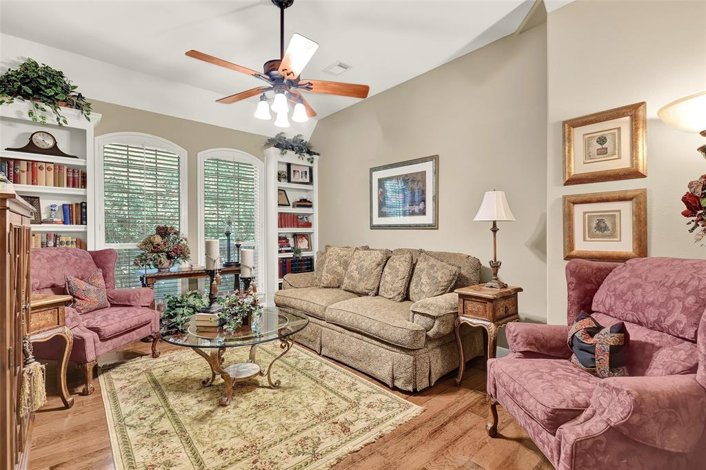 Pending   59 Columbia Crest Place Conroe, Texas 77382 13