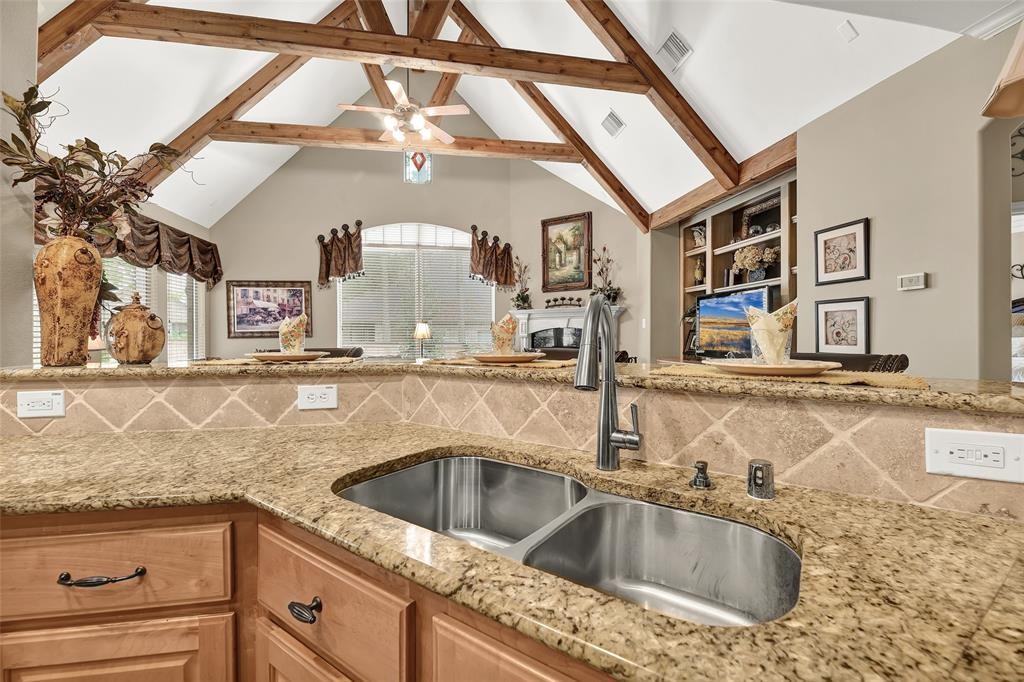Pending   59 Columbia Crest Place Conroe, Texas 77382 20