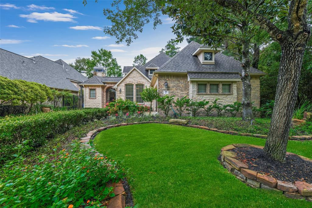 Pending   59 Columbia Crest Place Conroe, Texas 77382 3