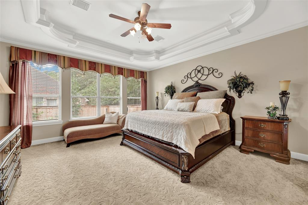 Pending   59 Columbia Crest Place Conroe, Texas 77382 30