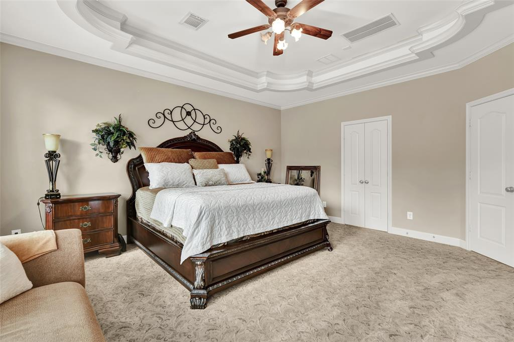 Pending   59 Columbia Crest Place Conroe, Texas 77382 31