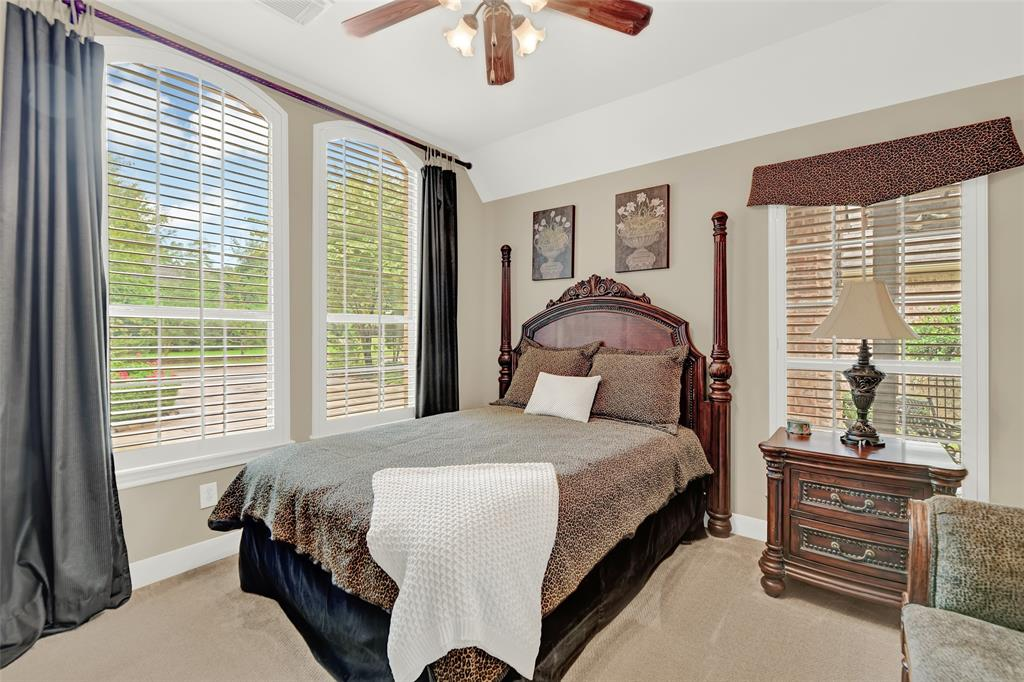 Pending   59 Columbia Crest Place Conroe, Texas 77382 35