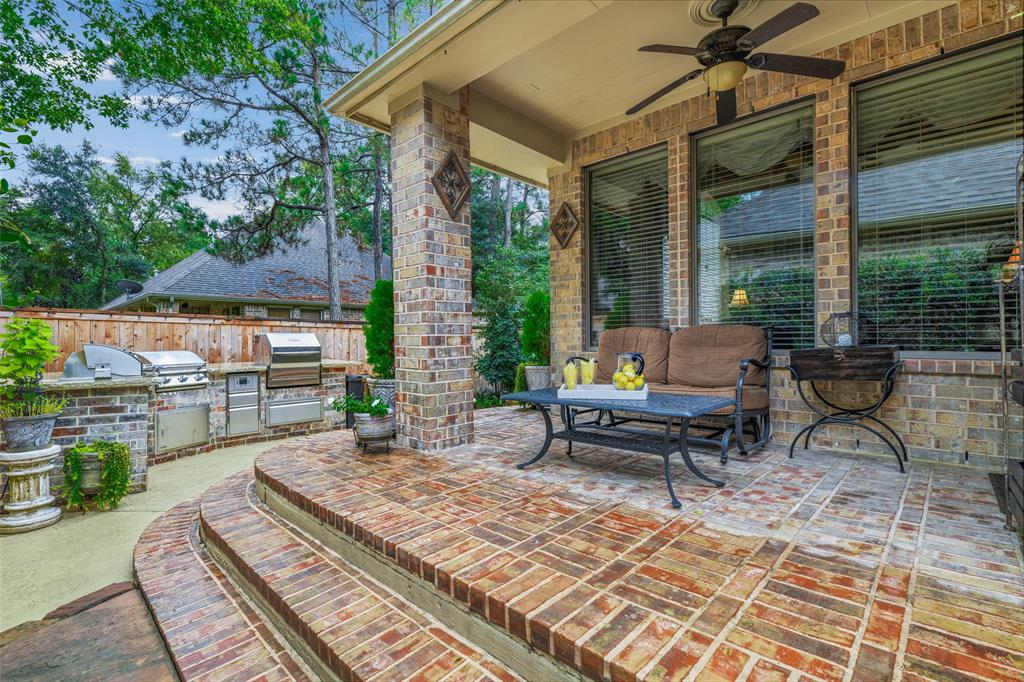 Pending   59 Columbia Crest Place Conroe, Texas 77382 46