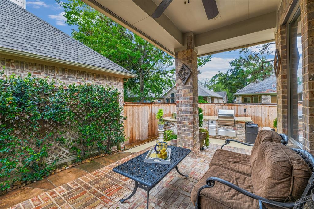 Pending   59 Columbia Crest Place Conroe, Texas 77382 47
