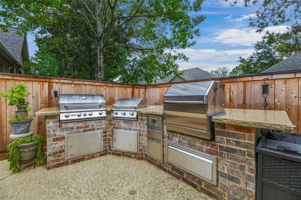 Pending   59 Columbia Crest Place Conroe, Texas 77382 48