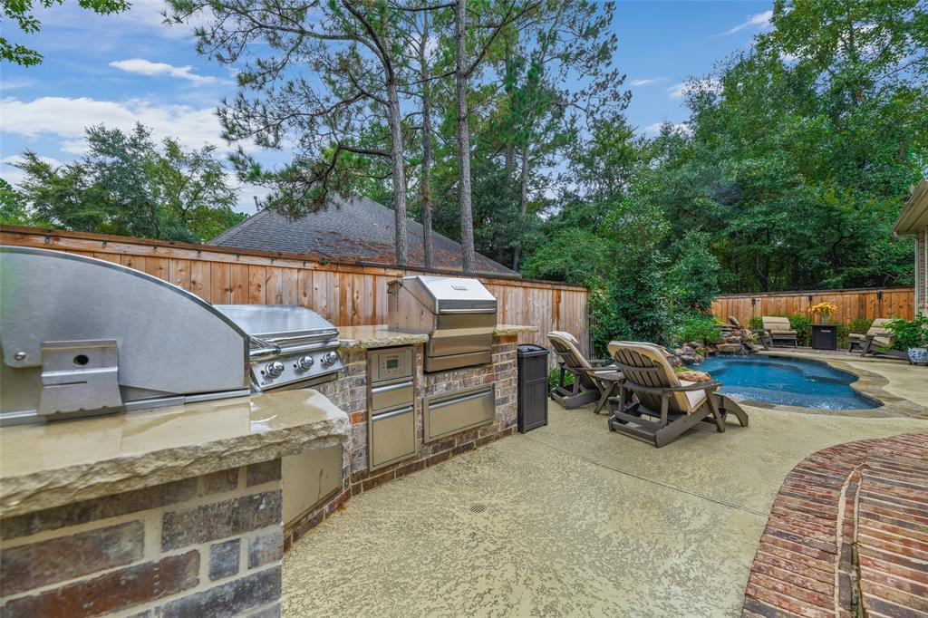 Pending   59 Columbia Crest Place Conroe, Texas 77382 49