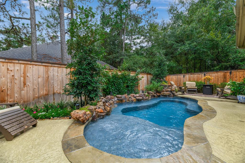 Pending   59 Columbia Crest Place Conroe, Texas 77382 50