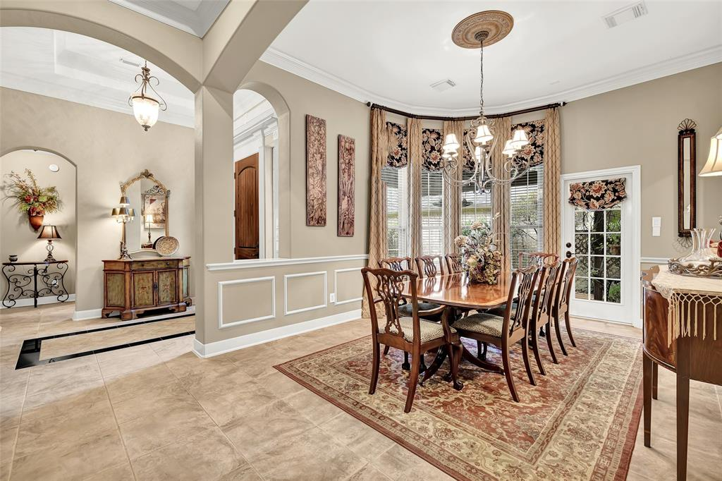 Pending   59 Columbia Crest Place Conroe, Texas 77382 8