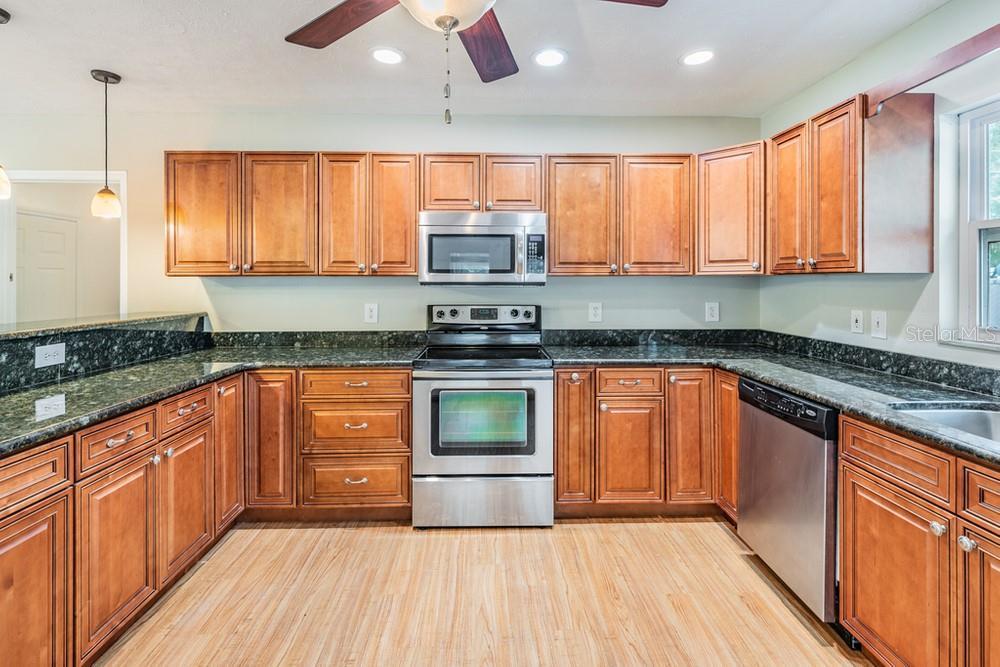 Pending | 7402 CAPITANO STREET RIVERVIEW, FL 33578 21