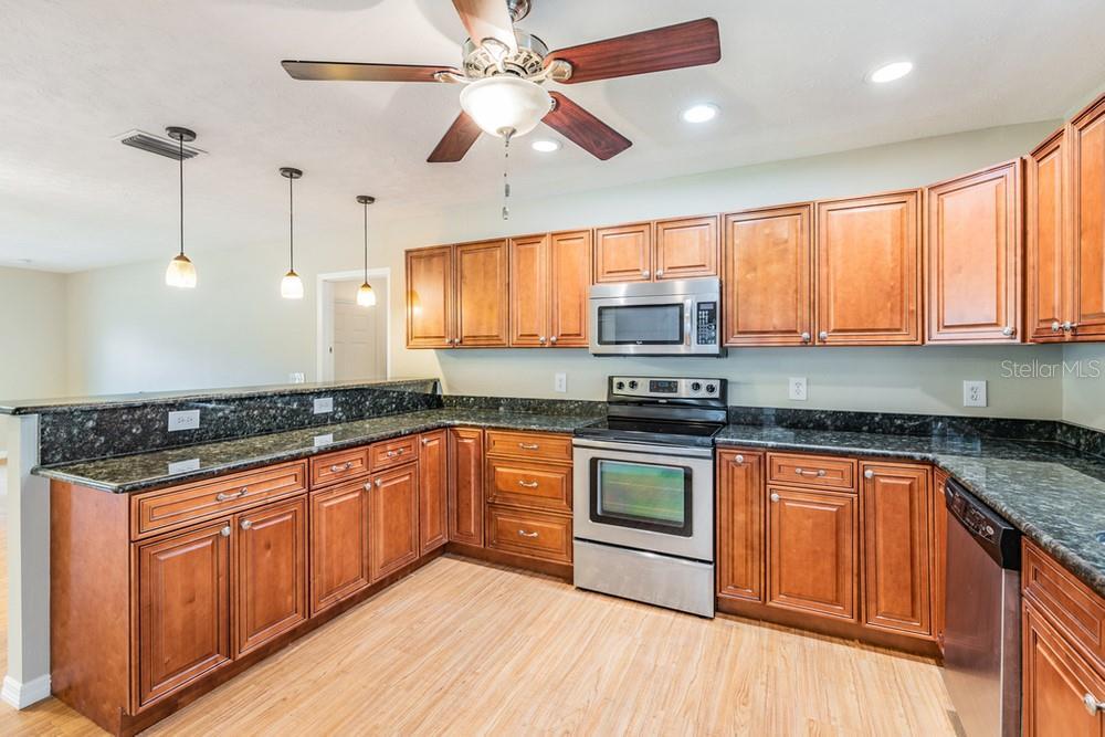 Pending | 7402 CAPITANO STREET RIVERVIEW, FL 33578 22